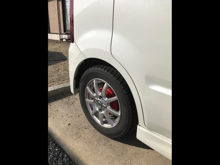タイヤ交換でお困りの方 お店で待たなくても直ぐに交換出来ます! ご自宅への出張取り付けも可能です。(別途出張代がかかります)の写真