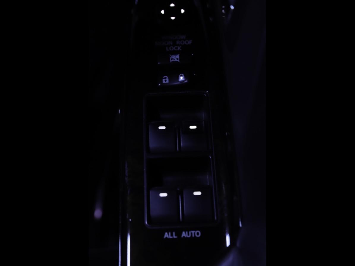 20系アルファード、ヴェルファイアのエアコンパネル、スイッチ等の LED打ち替えの写真