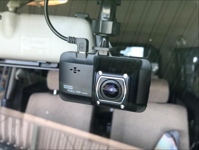 ドライブレコーダー取り付けの写真