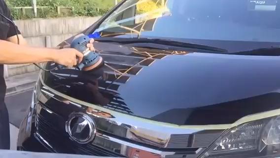 車の洗車、磨き承ります!の写真