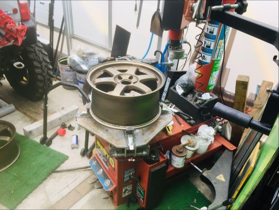 【車・バイク タイヤ交換1本1000円~】  持ち込み タイヤ交換作業   木更津市の写真