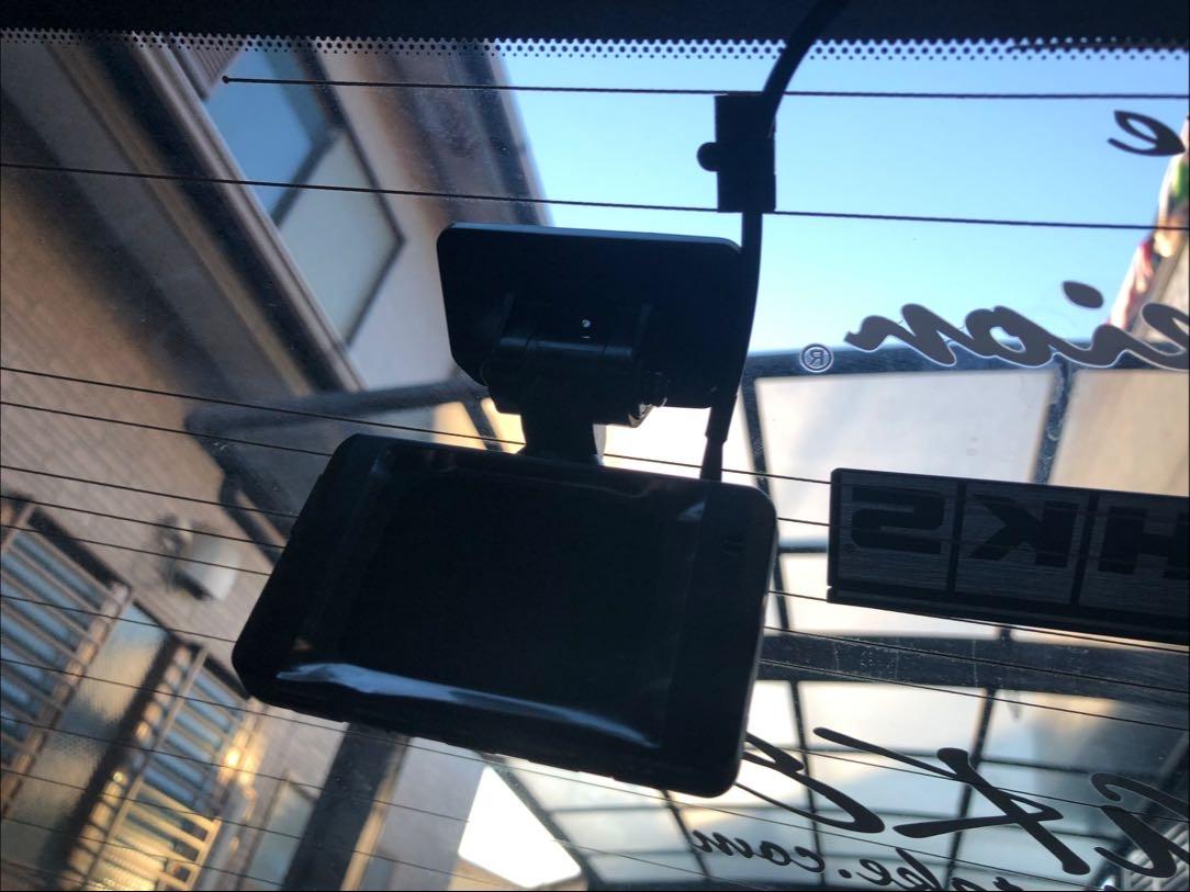 ドライブレコーダーの取付作業(前方型)※後方撮影型も可能の写真